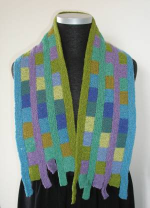 Beautiful Pattern for a Scarf - KnitWiki - Knitting-and.com free